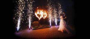 Горящие сердца и холодные фонтаны на свадьбу