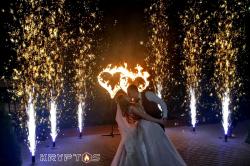 Холодные фонтаны и горящие сердца на свадьбу в банкетном зале Мимино