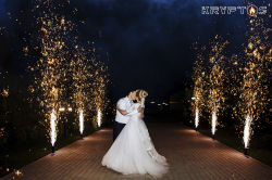 Холодные фонтаны на свадьбу в ресторане Городок